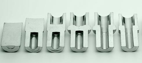 鍛造加工の成型工程